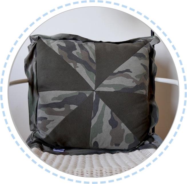 Erinnerungskissen dunkelgrün Camouflage Muster Vorderseite