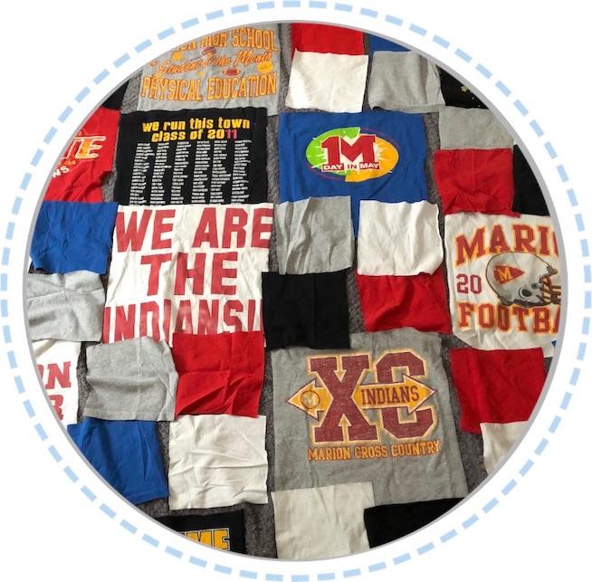 Kleidung Patchworkdecke bunt aus T-Shirts vorher