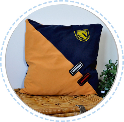 Erinnerungsstück Erinnerungskissen blau-orange mit Wappen 400px