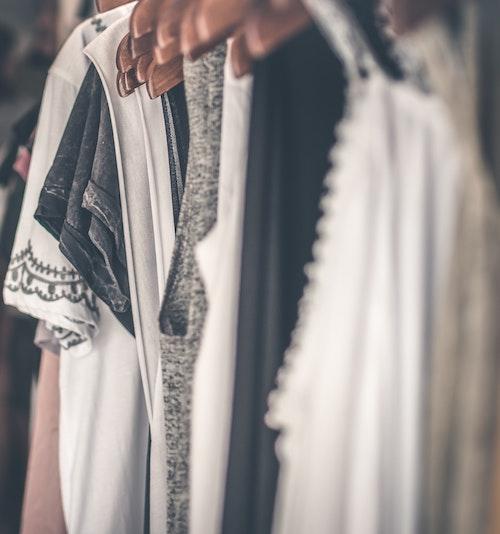 Kleiderschrank aussortieren