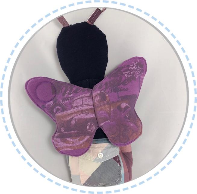 Schmetterlingspuppe Flügel lila